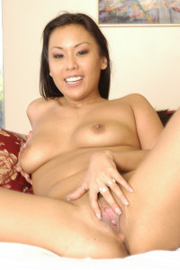 Avena Lee spreading her pussy on cam